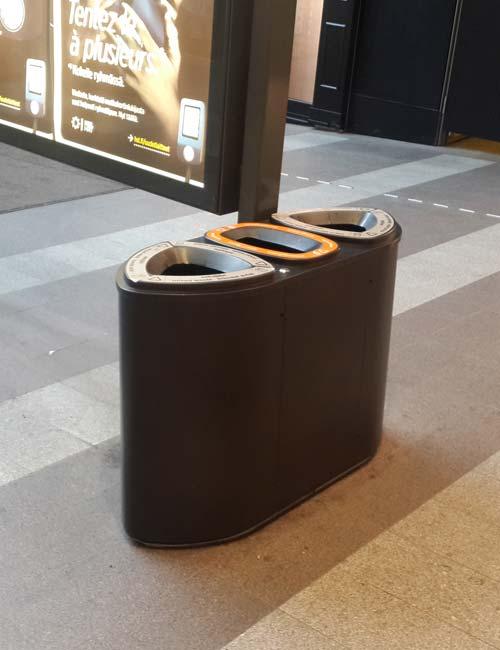 урна для раздельного сбора FINBIN Bermuda triple черный металлик в кинотеатре