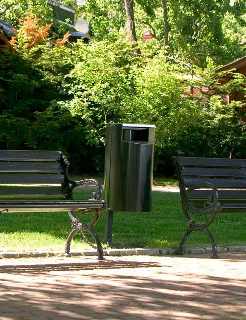 Урна в парке, цвет RAL 6005, серия CITY, заглубление в грунт