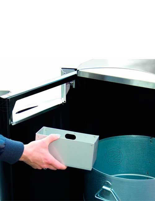 извлечение окурков из контейнера встроенной пепельницы мусорных урн ФИНБИН серии СИТИ