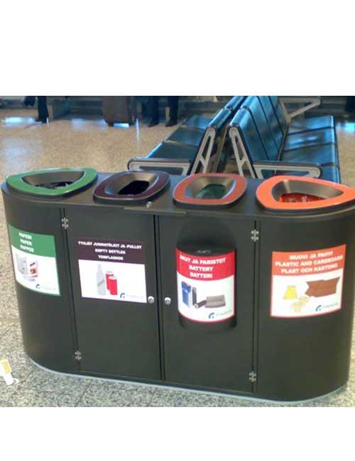 урна в зале вокзала для раздельного сбора мусора FINBIN BERMUDA QUARD черная