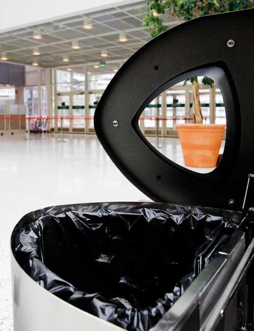 вид крышки и крепления корпуса мусорной урны для нержавеющей стали FINBIN BERMUDA 3 под раздельный сбор