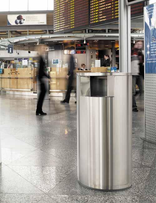 Стильная урна в аэропорту из нержавеющей стали FINBIN OVAL 1 на встроенном цоколе