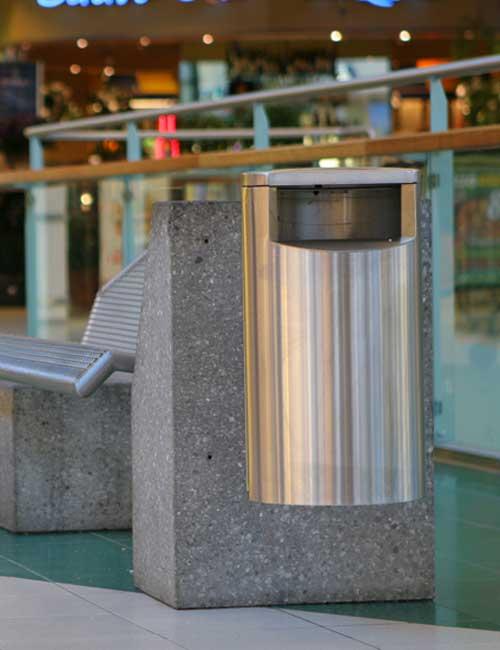 Урна city 30 нержавеющая сталь, на стене в торговом центре