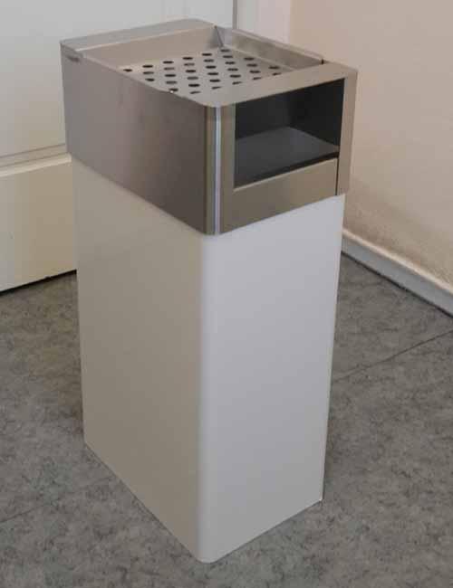 приемное отвертие для мусора напольной пепельницы FINBIN GRATE