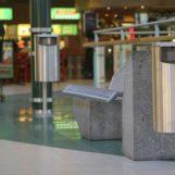 Урны City 60 в торговом центре, различные варианты креплений