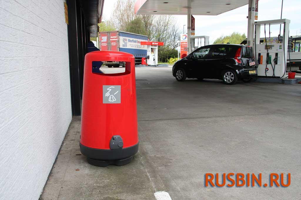 Урна Glasdon topsy 2000 для АЗС, антивандальная красная