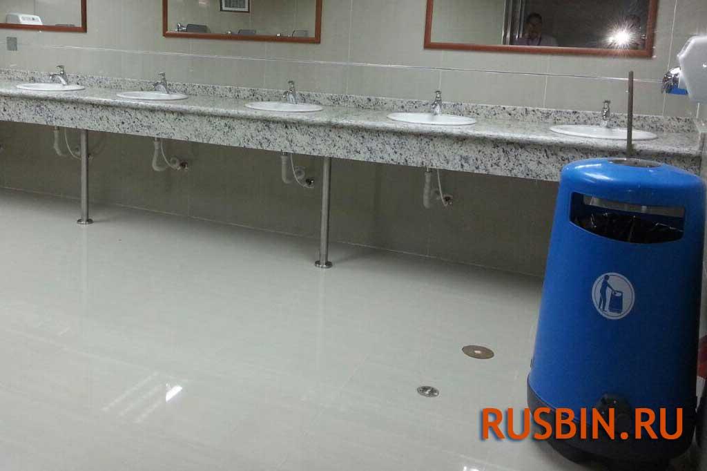 Урна мусорная в туалет Glasdon topsy 2000 темно-синего цвета, аэропорт