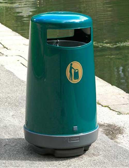 Урна для сбора мусора Glasdon topsy 2000 темно-зеленая, у водоема