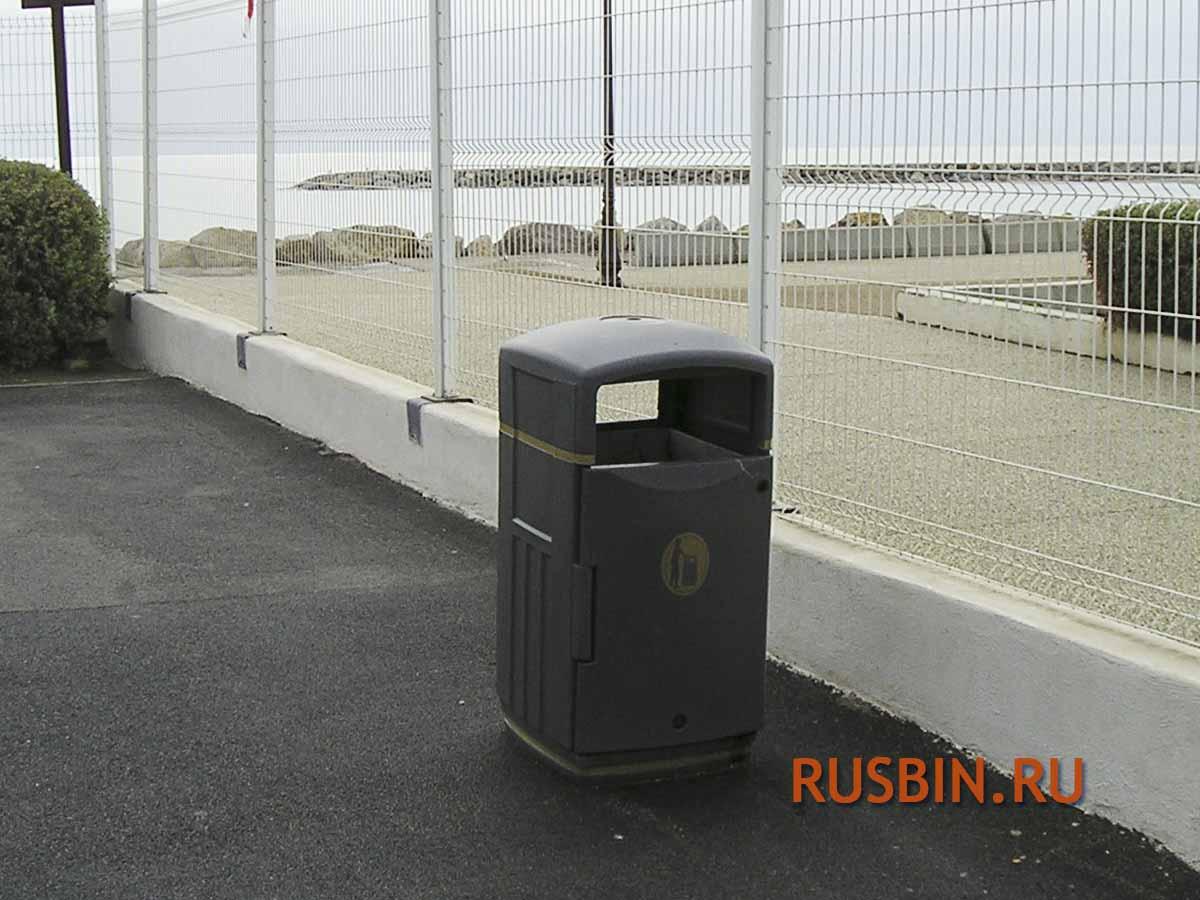 Урна мусорная уличная с закрытым верхом Glasdon Futuro серого цвета