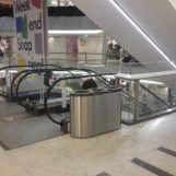 Урна из нержавеющей стали Bermuda triple в торговом центре
