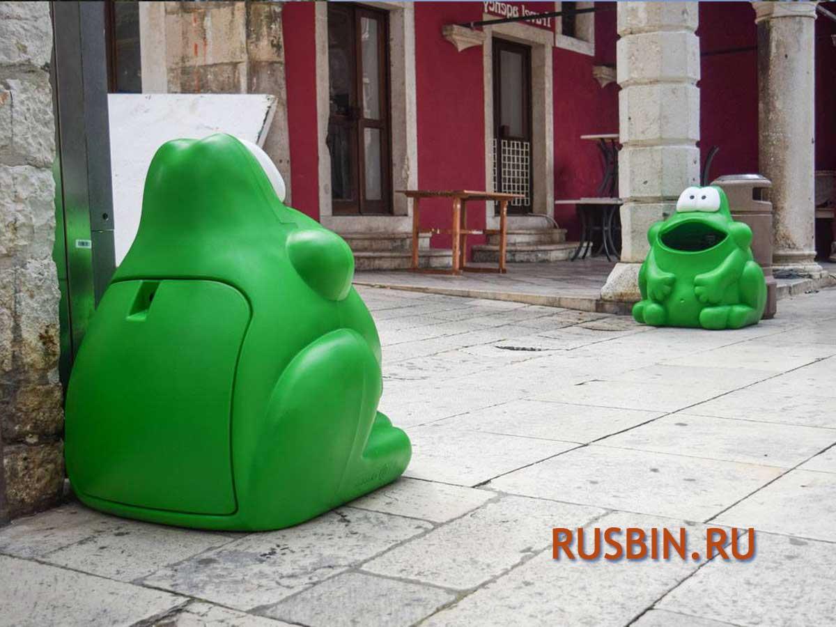 Красивые мусорные урны Лягушка Glasdon Froggo для детей на улице перед входом в детсад