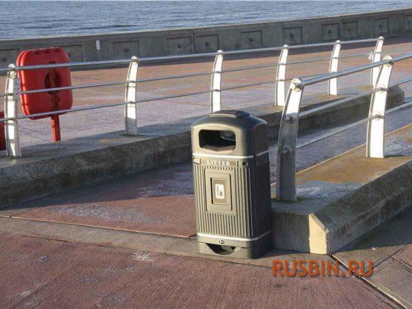 Glasdon Streamline Jubilee мусорная урна 70 литров с пепельницей серая на причале