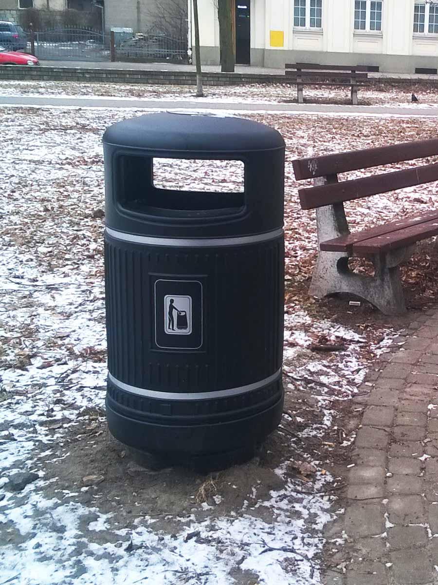 красивая уличная урна для мусора Glasdon topsy royal черный цвет