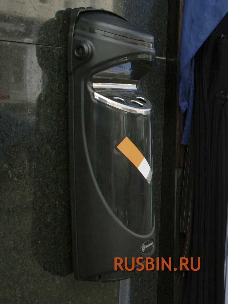 навесная уличная пепельница 3 литра Glasdon Ashmount