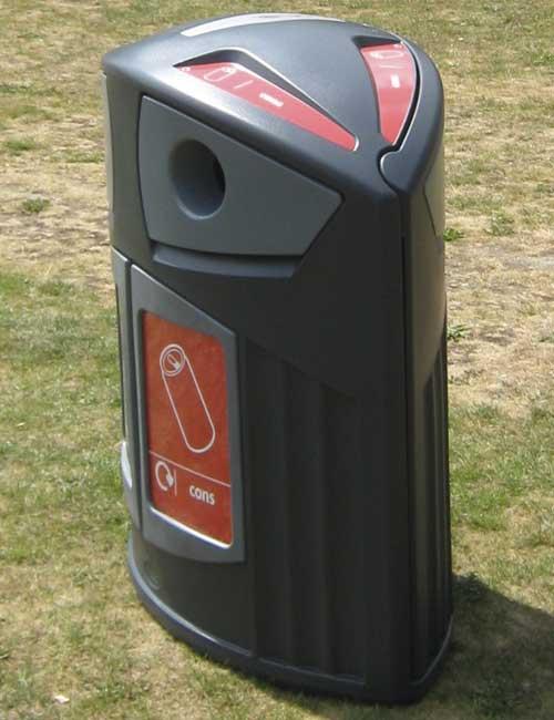красивый мусорный контейнер для раздельного сбора мусора Glasdon Nexus 200