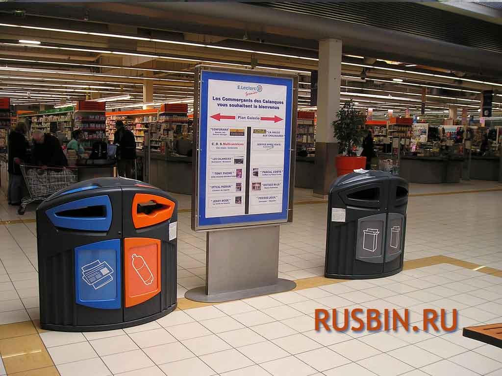 урны для раздельного сбора мусора внутри магазина Glasdon Nexus 200