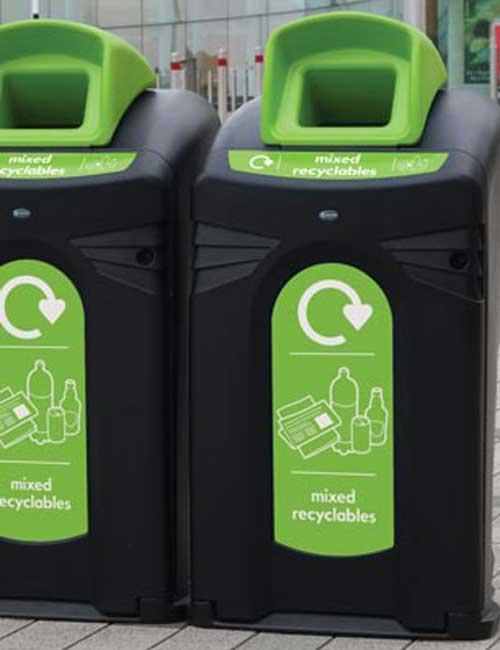 Сбор и сортировка мусора в контейнеры на улице Glasdon Nexus City 140