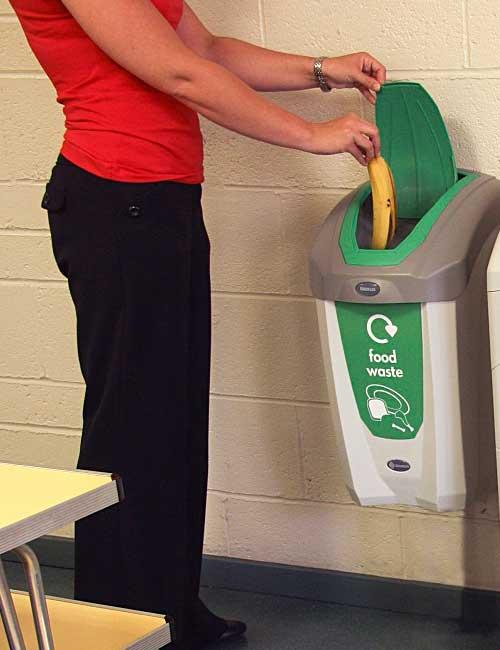 Урна для сбора мусора в офисах с закрывающейся крышкой NEXUS 30