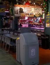 Урна для мусора в точке быстрого питания