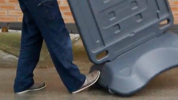 переносной рекламный штендер на колесиках