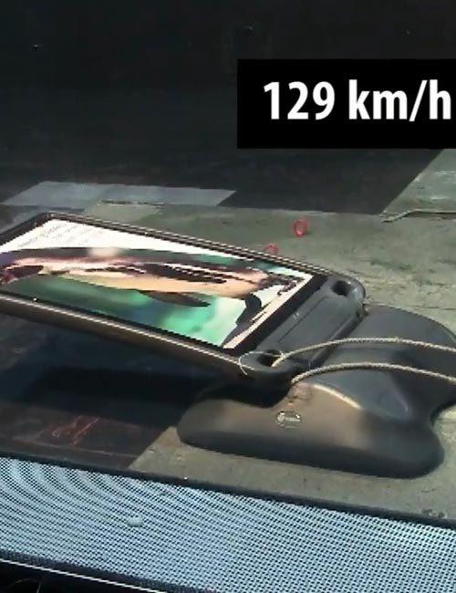 Тест уличного штендера GLASDON при сальном ветре