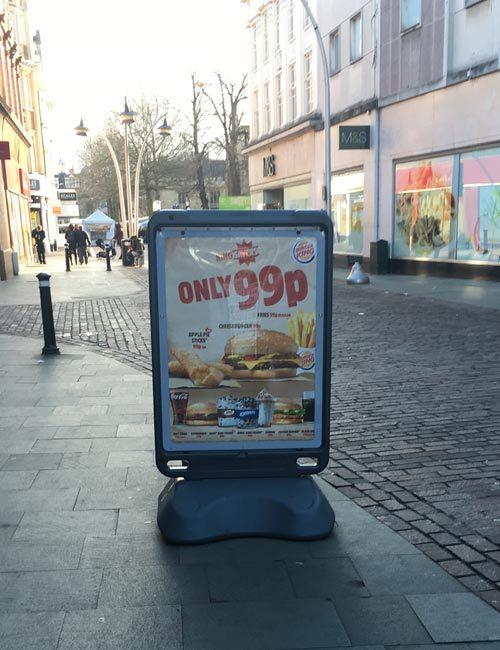 Штендер для рекламы антивандальный уличный