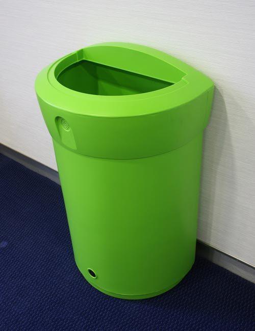 Урна для помещений D образная Envoy 90 литров зеленая