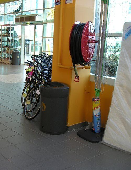 Урны для больших магазинов 110 литров