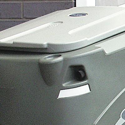 Закрытый мусорный бак тележки для дворника Skipper