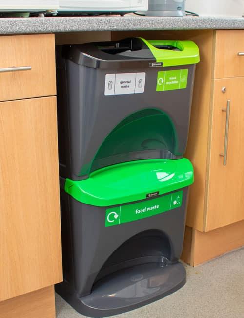 Урны для сбора мусора в кухне NEXUS STACK 30